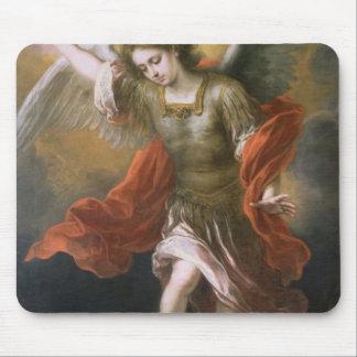 St Michael bannit le diable à l'abîme Tapis De Souris