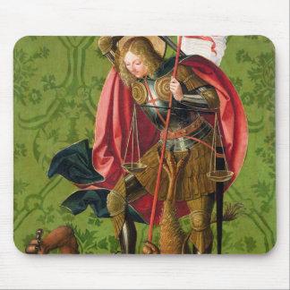 St Michael tuant le dragon Tapis De Souris