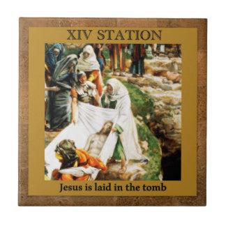 Stations de la croix #14 de 15 Jésus dans la tombe Petit Carreau Carré