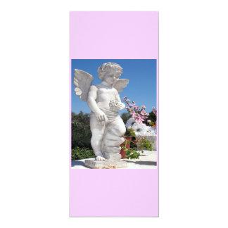 Statue d'ange dans le rose IV