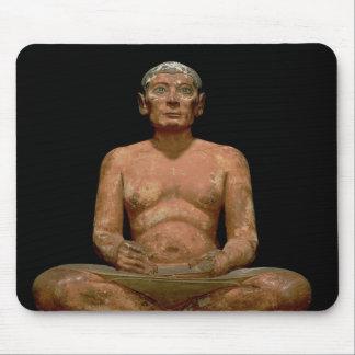 Statue de acroupissement de scribe tapis de souris