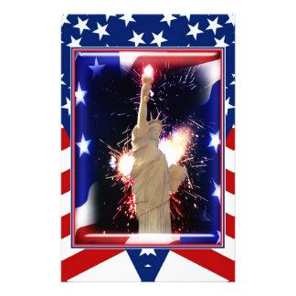 Statue de la liberté avec des feux d'artifice pour papeterie