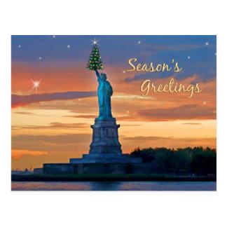 Statue de la liberté avec l'arbre de Noël Cartes Postales
