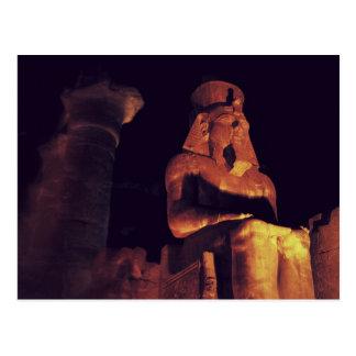 Statue de roi dans le temple de Louxor en Egypte Carte Postale