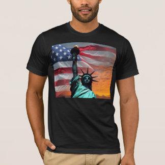 Statue de T-shirt de drapeau des USA de liberté