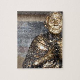 Statue décolorée et d'or de Bouddha Puzzle
