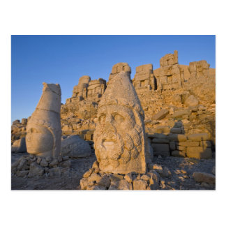 Statues principales colossales des dieux gardant carte postale