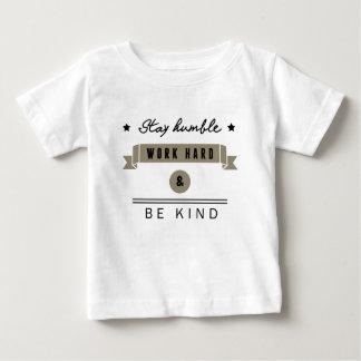 Stay humble t-shirt pour bébé