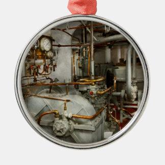 Steampunk - dans la salle des machines ornement rond argenté