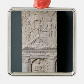 Stela votif consacré à Saturn Ornement Carré Argenté