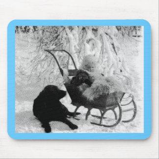 Stereoview vintage - bébé dans le traîneau tapis de souris
