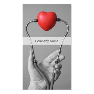 Stéthoscope et modèle de carte de visite de coeur
