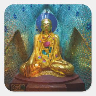 Sticker Carré Bouddha dans l'alcôve fleurie