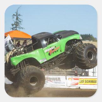 Sticker Carré Camion de monstre vert dans l'action