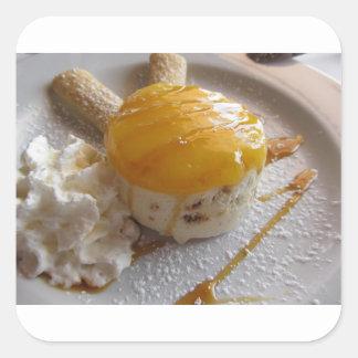 Sticker Carré Gâteau couvert par confiture de crème glacée