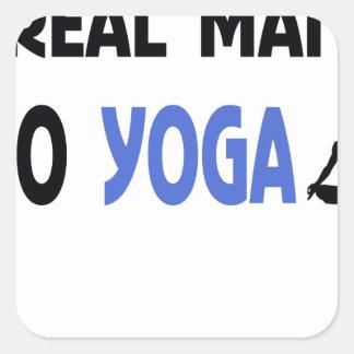Sticker Carré le vrai homme font le yoga