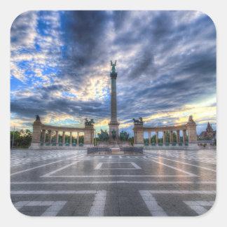 Sticker Carré Les héros ajustent le lever de soleil de Budapest