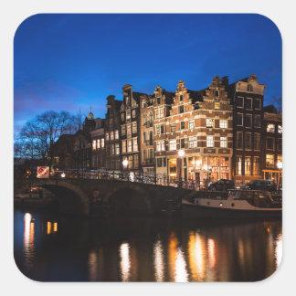 Sticker Carré Maisons de canal d'Amsterdam la nuit