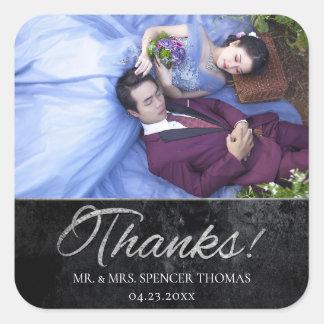 Sticker Carré Onyx épousant la photo argentée de matte de noir