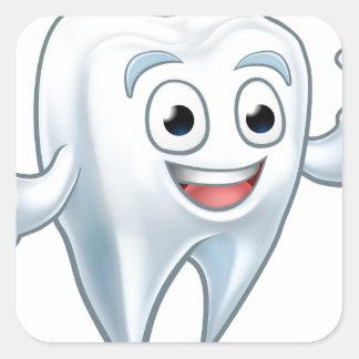 Sticker Carré Personnage de dessin animé de mascotte de dent