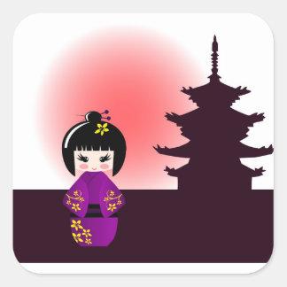 Sticker Carré Poupée de Kokeshi et temple japonais