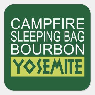 Sticker Carré Sac de couchage de feu de camp Bourbon Yosemite