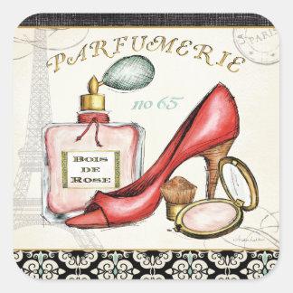 Sticker Carré Une chaussure rouge, une bouteille de parfum, et