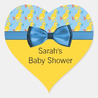 Sticker Cœur Canards de bébé dans le baby shower jaune et bleu