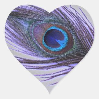 Sticker Cœur Choisissez la plume pourpre de paon d'arrière -