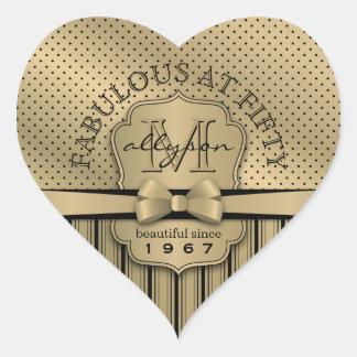 Sticker Cœur cinquantième Arc de rayures de point de polka d'or
