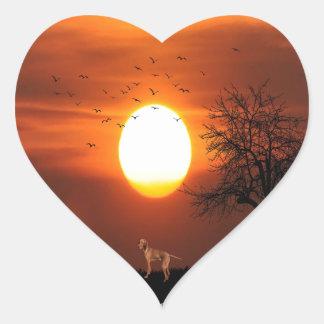 Sticker Cœur Coucher du soleil, arbre, oiseaux, Weimaraner,