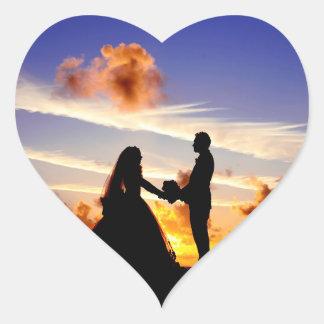 Sticker Cœur Couples de mariage de coucher du soleil