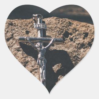 Sticker Cœur croix et sable