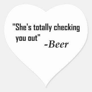 """Sticker Cœur """"Elle vous vérifie totalement"""" - bière"""