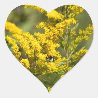 Sticker Cœur Fleurs sauvages dorés
