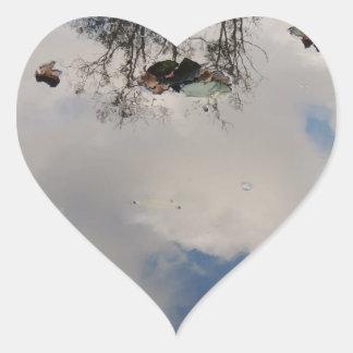 Sticker Cœur Le ciel dans l'eau