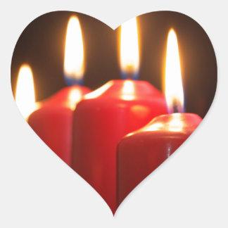 Sticker Cœur Les bougies rouges d'un avènement tressent avec