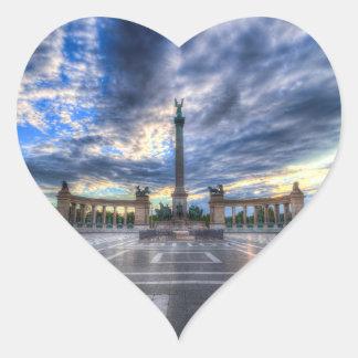 Sticker Cœur Les héros ajustent le lever de soleil de Budapest