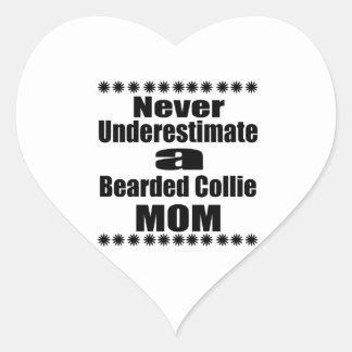 Sticker Cœur Ne sous-estimez jamais la maman barbue de colley
