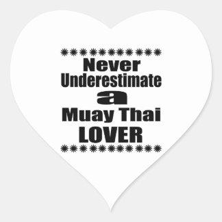 Sticker Cœur Ne sous-estimez jamais l'amant thaïlandais de Muay