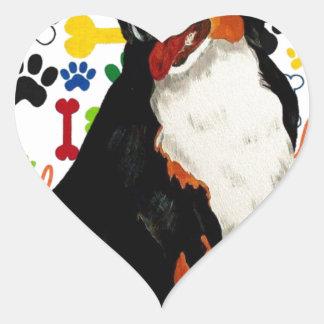 Sticker Cœur Os de patte de trame de chien de montagne de