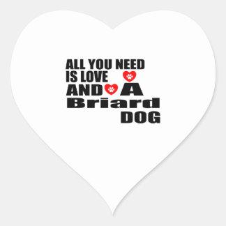 Sticker Cœur Tous vous avez besoin des conceptions de chiens de