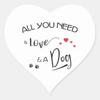 Sticker Cœur Tout-vous-besoin-être-Amour-et un chien !