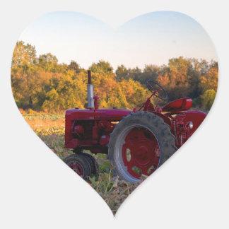 Sticker Cœur Tracteur dans un domaine de citrouille