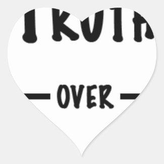 Sticker Cœur Vérité au-dessus des cadeaux d'atout