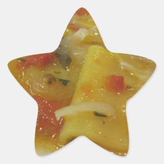 Sticker Étoile Pâtes faites maison avec la sauce tomate, oignon,