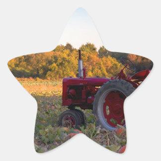 Sticker Étoile Tracteur dans un domaine de citrouille