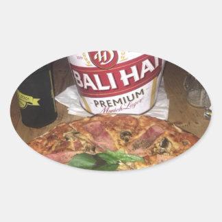 Sticker Ovale Bière et pizza de Bali