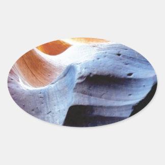 Sticker Ovale Bosses et morceaux dans les roches