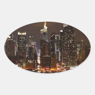 Sticker Ovale Horizon de nuit de Manhattan